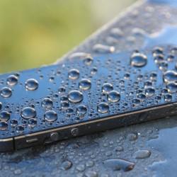 耐衝撃に耐水、耐海水…タフなスマホが増加中!スマホの耐久性ってどの程度なの?